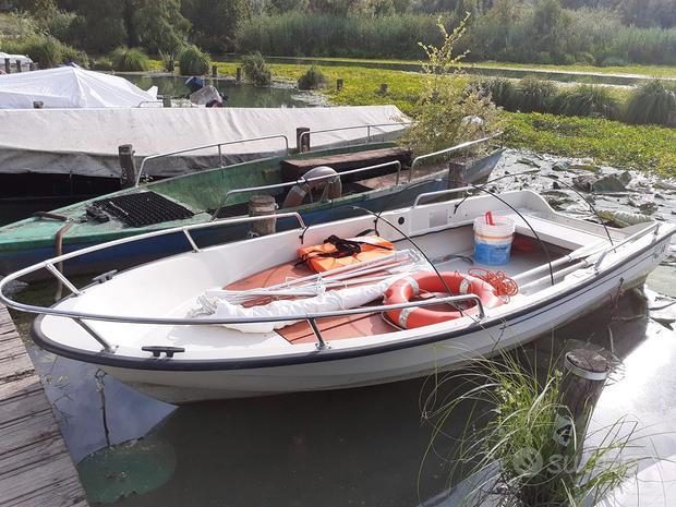 Barca 4mt con materassini e attrezzatura