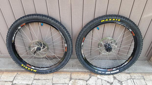 """Cerchi ruote complete MTB DH FR 26"""" MAXXIS"""