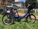 Triciclo per adulti con motore elettrico
