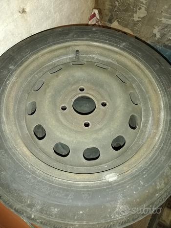 Pneumatici invernali 175/65/R14 complete di cerchi
