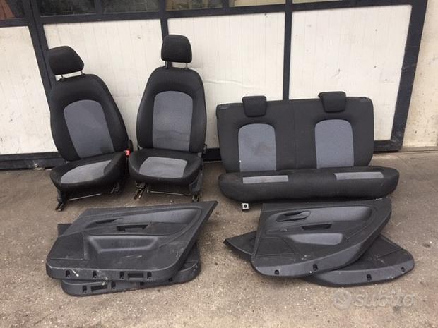 Sedili Fiat Grande Punto 2011 5 porte nero/grigio