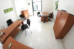 Ufficio temporaneo pronto incluso posto auto