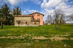 Villa libera su 4 lati con 200mq di giardino