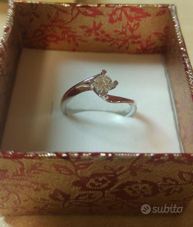Anello solitario oro e diamante 0.20 F vvs