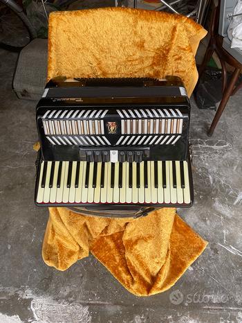 Fisarmonica Parrot 130