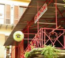 Intera palazzina per il 110 con famoso ristorante