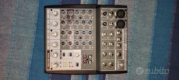 Behringer Xenyx 802 Mixer Audio per DJ, Studio e K
