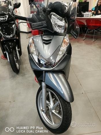 Honda SH 300i usato scooter honda garantito
