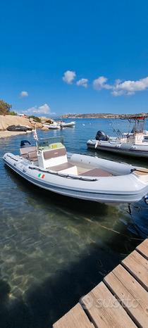 Joker boat coaster 650 con Yamaha 200cv vmax