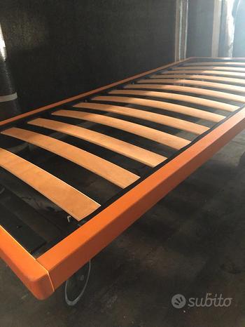 Letto singolo 90x200 con ruote, design arancione