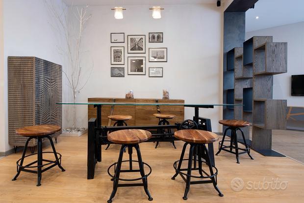 Tavolo in vetro artigianale con carrucola