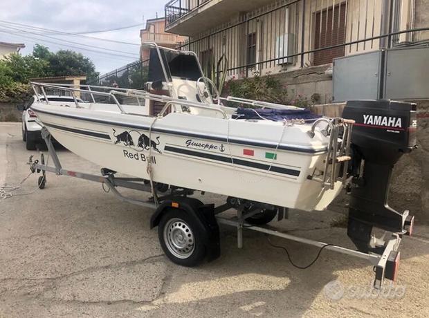 Barca pilotina con motore