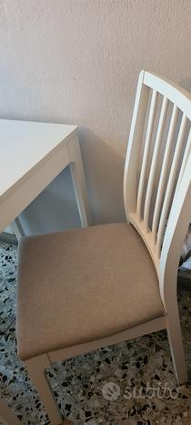 Tavolo allungabile bianco con 4 sedie