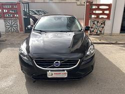 Volvo v40 d2 in condizioni pari al nuovo garantita