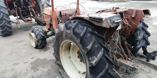 CARRARO Trattore agricolo Goldoni 614DT Compact