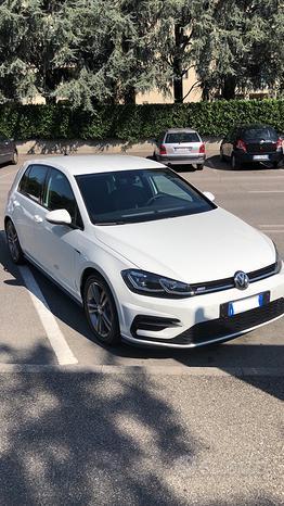Volkswagen Golf 7.5 R-line 1.5 TSI 150cv DSG