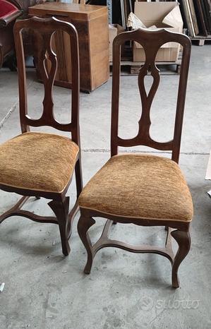 Coppia di sedie a schienale alto