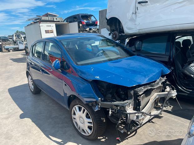 Opel Corsa 2018 1.2 Benzina demolita per ricambi