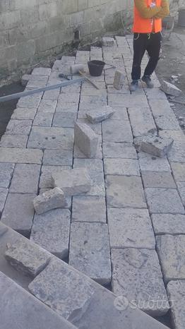 Lastre in pietra naturale lavorata e di recupero