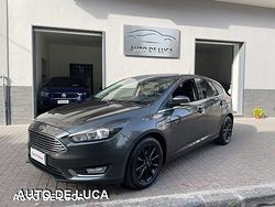 Ford focus 1.6 gpl titanium certificata italiana