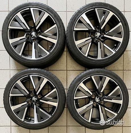 Cerchi 17 con pneumatici nuova Peugeot 208