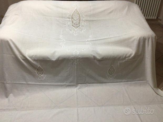 Tenda lino elegante e raffinata con ricamo