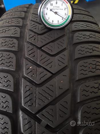 4 Gomme 225/50-17 invernali Pirelli winter