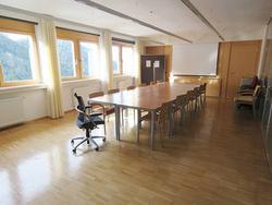 Ufficio ben curato su due piani!
