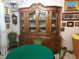 Sala da Pranzo in Legno di noce e radica e intarsi
