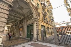 Locale Commerciale a Genova, 13 locali