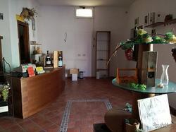 Villetta + Attività commerciale