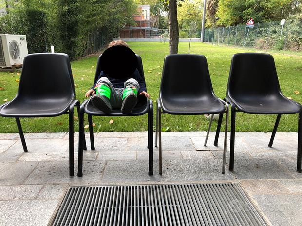 4 sedie da giardino nere