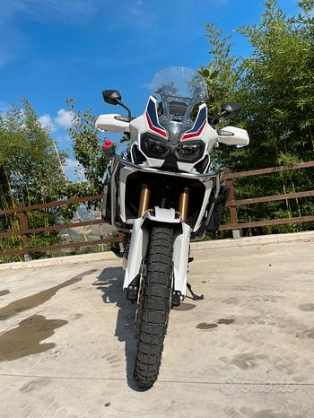 Africa Twin 1000 L tricolor manuale
