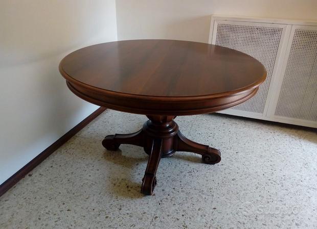 Tavolo in legno allungabile per soggiorno
