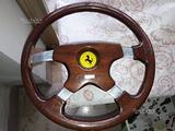 Volante d'epoca in radica Momo/Ferrari