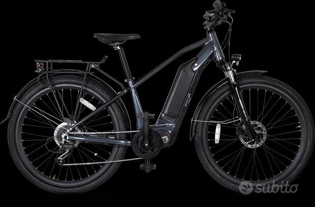 Bicicletta a pedalata assistita motore centrale