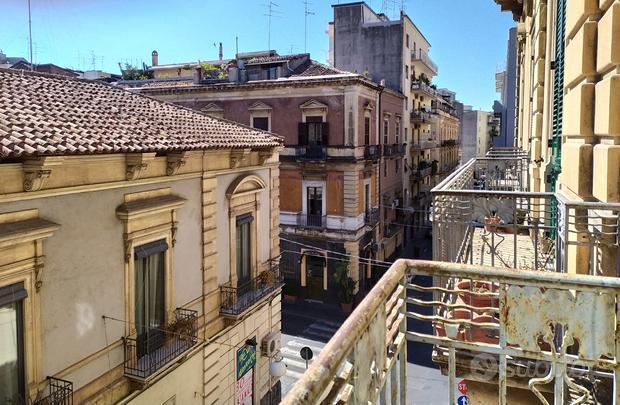 Via G. Carnazza - Umberto ENORME 7 Vani eAmmezzato