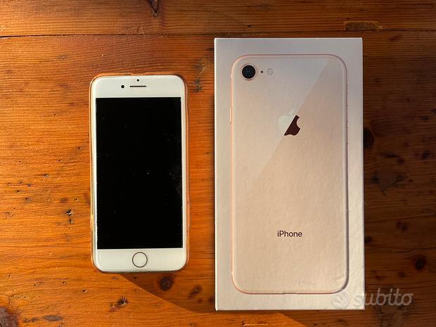 IPhone 8 Gold 64GB in buonissime condizioni