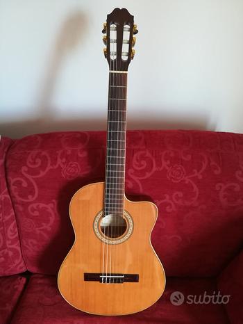 Chitarra Classica Amplificata Hermosa