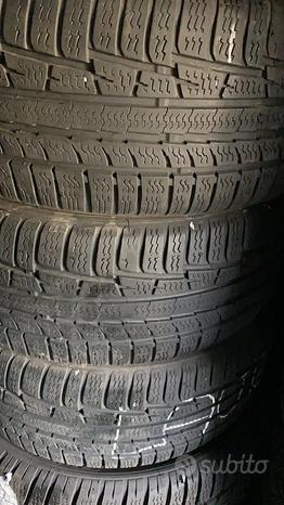 N. 2 gomme termiche Nokian Winter 215/45-17