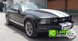 FORD - Mustang V6 - 12 V - 4.0 cc - 213 cv - 2005