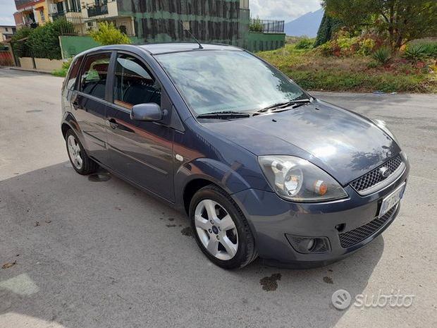 Fiesta 2007 modello Titanium perfette condizioni