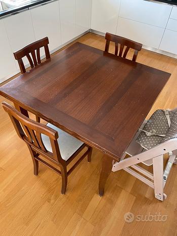 Tavolo in noce + 4 sedie