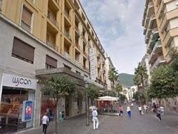 Negozio Salerno [locale - Corso V. EmACG]