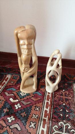 Statue di pietra saponaria