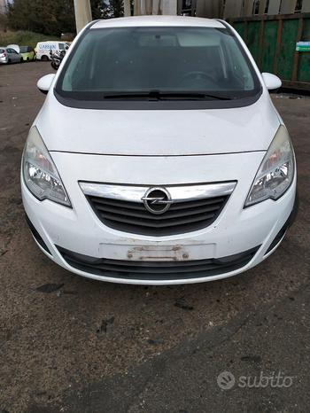 Opel Meriva B anno 2011 SOLO PER RICAMBI