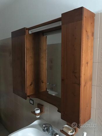 Bagno in legno e marmo completo