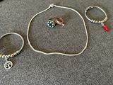 Set bigiotteria Collana, 2 bracciali e 2 anelli