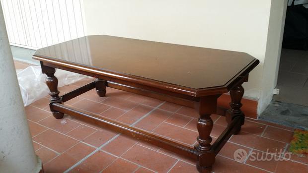 Tavolo da soggiorno/divano