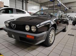 Alfa Romeo Alfetta GT/GTV GTV 6 2.5i con aria...